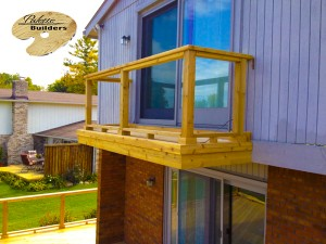 Commerce MI Deck Builder Cedar Wood Deck Balcony Glass Rail