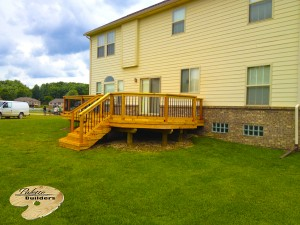 Richmond MI Deck Builder Cedar Wood Deck Custom Railing with Aluminum Balusters